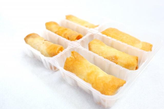 冷凍食品の春巻き