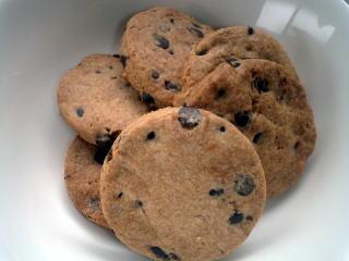 簡単!チョコチップクッキー【生地をこねすぎても、さっくりした食感】