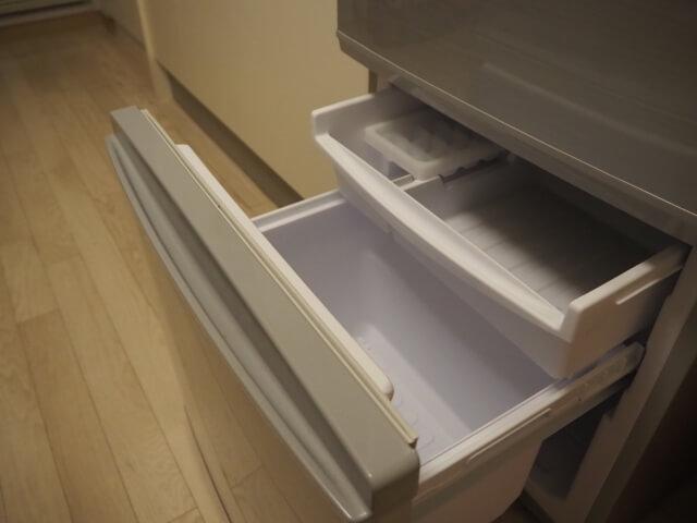 引き出しトレーが付いた冷凍室