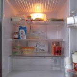 1人暮らしの冷蔵庫の中身 きん。部屋