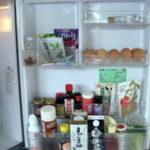 冷蔵庫のドア側の収納 1人暮らしの冷蔵庫の中身 きん。部屋