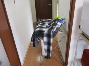ハンガーにかけた洗濯物