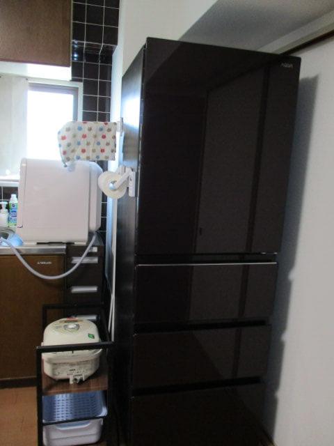 大きな冷蔵庫に買い換えました