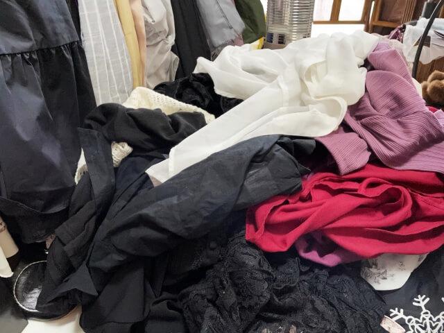 着ることがない大量の服